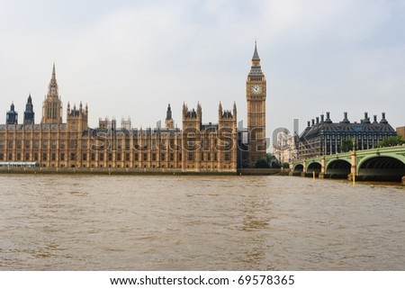 Houses of Parliament, Big Ben, Westminster bridge and Thames river. London, UK