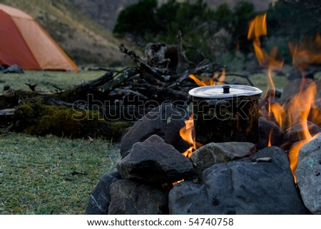 how to cook at an outdoor campsite