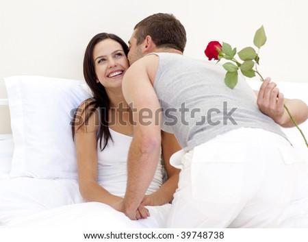 zhena-rukami-muzhu