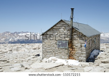 Hut on the summit of Mount Whitney, highest mountain in California and contiguous USA - stock photo