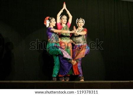 HYDERABAD INDIA-NOVEMBER 06 Disciples of Bharatanatyam exponent    Bharatanatyam Cliparts