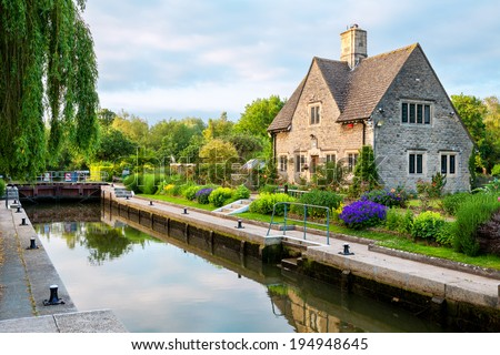 Iffley Lock on the River Thames. Oxford, Oxfordshire, England - stock photo