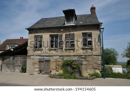 Ile de France, the picturesque village of Clery en Vexin