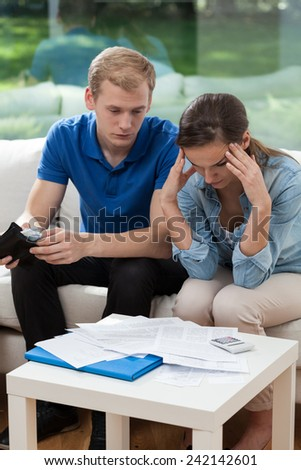 Image of married couple having financial troubles