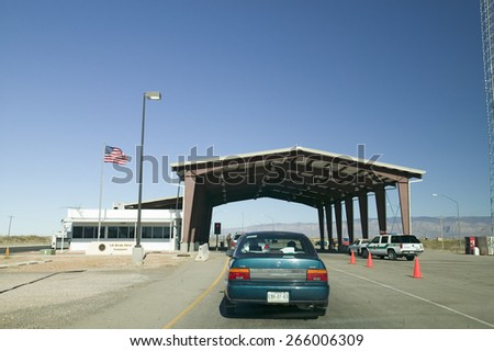 Immigration and Naturalization Service, INS, roadside stop Route 54, in southern New Mexico, in search of illegal immigrants from Mexico and Central America - stock photo