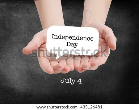 Independence day written on a speechbubble