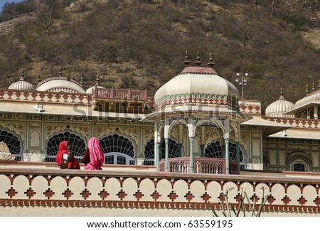 India, Rajasthan, Jaipur, indian women at the Sisodia Rani Ka Bagh Palace, built in 1710 A.D. by Maharaja Sawai Jai Singh - stock photo