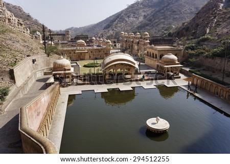 India, Rajasthan, Jaipur; 25 january 2007, people at Galta Hindu Temples, 11 km away from Jaipur - EDITORIAL - stock photo