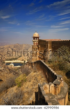 India, Rajasthan, Jaipur, the Amber Fort, the external walls of the Amber Fort - stock photo