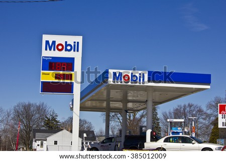 Indianapolis - Circa March 2016: ExxonMobil Retail Gas Location. ExxonMobil is the World's Largest Oil and Gas Company I