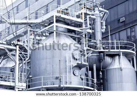 Industrial buildings and steel pipes