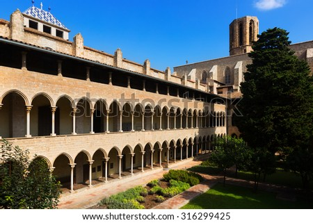 inner courtyard of Pedralbes Monastery at Barcelona.  Spain