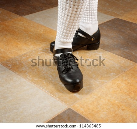 irish dancer's feet in stepshoe