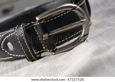 isolate classic black leather belt jeans