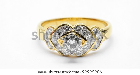 Isolated Diamond Wedding Luxury Platinum Ring using in Love Concept (Selective focus at Big Diamond)