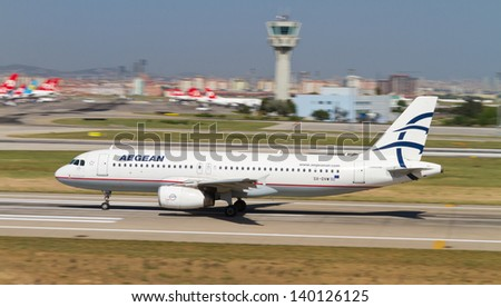 ISTANBUL - MAY 26: Aegean Airlines Airbus A320-232 accelerate to takeoff at Ataturk Airport on May 26, 2013 in Istanbul, Turkey. AA is the largest Greek airline by total number of passengers carried. - stock photo