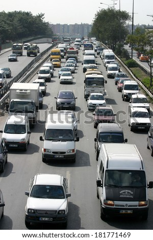 ISTANBUL, TURKEY - SEPTEMBER 16: Traffic jam at E-5 Highway in Istanbul European Side on September 16, 2006 in Istanbul, Turkey.