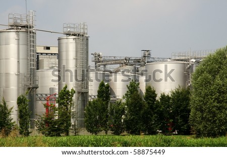 Italy: biodiesel production. Refining and transesterification plant, a process wherein vegetable oils extracted in the plant are turned into biodiesel. - stock photo