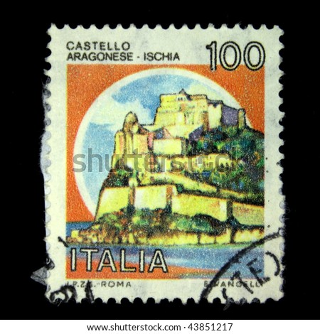 ITALY - CIRCA 1990: A stamp printed in Italy shows image of Aragonese Castle, series, circa 1990
