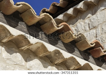 Italy, Sicily, countryside (Ragusa Province), typical stone sicilian house, roof shingles - stock photo