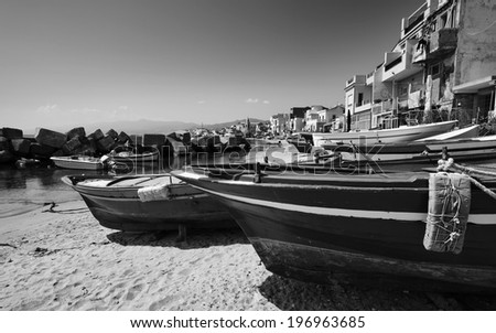 Italy, Sicily, Messina, Torre Faro, Sicily Channel, fishing boats in the shore