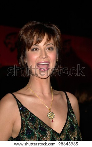 JAG star CATHERINE BELL at the Jaguar Tribute to Style Gala at Santa Monica Airport. 18MAR2001.    Paul Smith/Featureflash