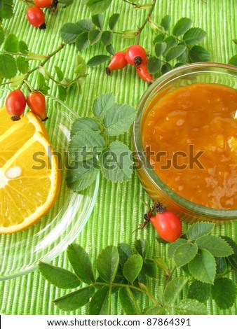 Jam with rose hips and oranges