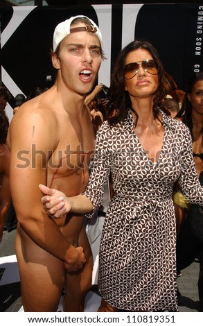 nude Janice dickinson peta