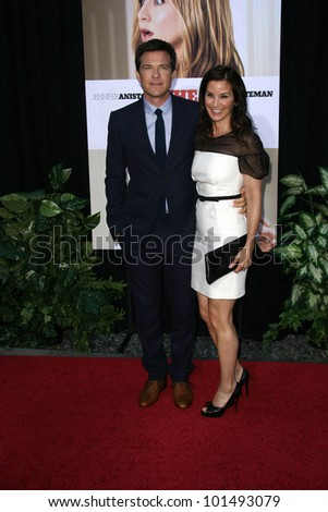 "Jason Bateman and wife Amanda Anka  at ""The Switch"" World Premiere, Chinese Theater, Hollywood, CA. 08-16-10"