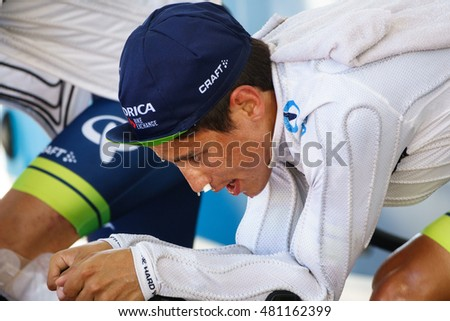 JAVEA - SEPTEMBER 9: Esteban Chaves warms up for the decisive time trial stage of La Vuelta on September 9, 2016 in Alicante, Spain