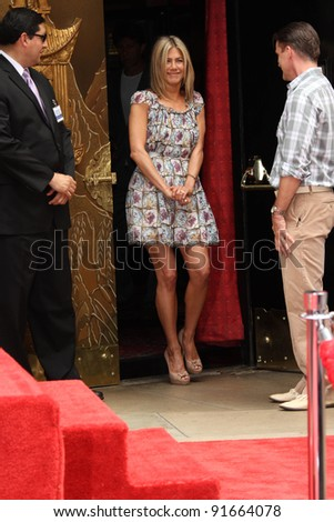 Jennifer Aniston at Jennifer Aniston's Hand & Footprint Ceremony, Grauman's Chinese Theatre, Hollywood, CA. 07-07-11