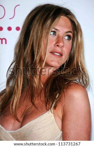 Jennifer Aniston in the press room at The 33rd Annual People's Choice Awards. Shrine Auditorium, Los Angeles, CA. 01-09-07