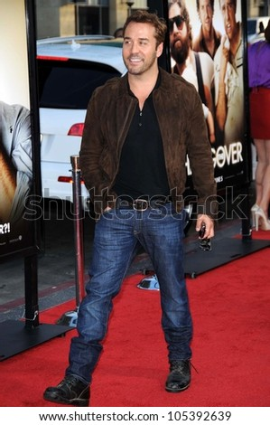 Jeremy Piven  at the Los Angeles Premiere of 'The Hangover'. Grauman's Chinese Theatre, Hollywood, CA. 06-02-09