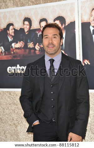 "Jeremy Piven at the premiere for the sixth season of the HBO TV series ""Entourage"" at Paramount Studios, Hollywood. July 9, 2009  Los Angeles, CA Picture: Paul Smith / Featureflash"