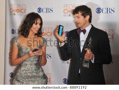 Jessica Alba & Ashton Kutcher at the 2010 People's Choice Awards at the Nokia Theatre L.A. Live in Los Angeles. January 6, 2010  Los Angeles, CA Picture: Paul Smith / Featureflash - stock photo