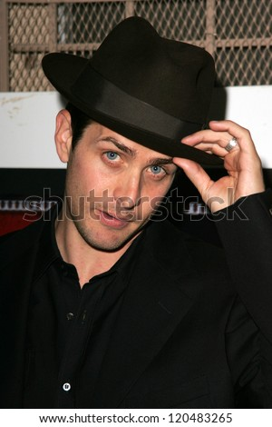 Joey McIntyre at the opening of Les Girls 6 Cabaret benefiting The National Breast Cancer Coalition. Avalon Theatre, Hollywood, CA. 10-09-06