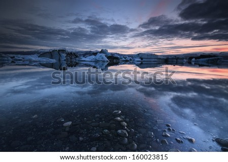 Jokulsarlon is a large glacial lake in southeast Iceland, on the borders of Vatnaj�¶kull National Park./Jokulsarlon - stock photo