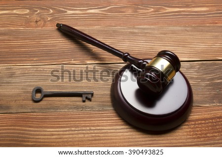 Judges Auctioneer Gavel, Retro Door Key On The Wood Table. Concept For Trial, Bankruptcy, Tax, Mortgage,  Auction Bidding, Foreclosure Or Inherit Real Estate - stock photo