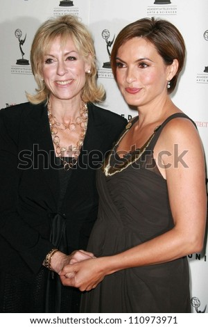 Judith Light and Mariska Hargitay at the 59th Annual Emmy Awards Nominee Reception. Pacific Design Center, Los Angeles, CA. 09-14-07