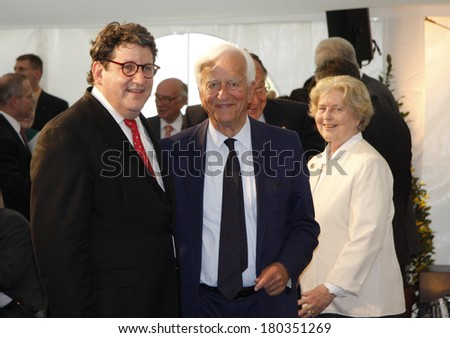"JULY 3, 2008 - BERLIN: Gary Smith, Richard von Weizsaecker, Marianne von Weizsaecker and other at the award ceremony of the ""Kissinger Prize"" in the American Academy, Berlin-Wannsee."