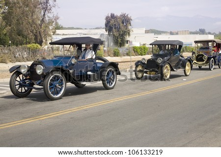 JUNE 2008 - Antique cars and people in old-fashioned clothing in Santa Paula, CA