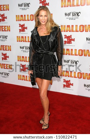 """Kathleen Kinmont at the Los Angeles Premiere of """"Halloween"""". Grauman's Chinese Theatre, Hollywood, CA. 08-23-07 - stock photo"""