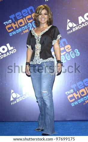 KELLY CLARKSON at the 2003 Teen Choice Awards in Hollywood. Aug 2, 2003  Paul Smith / Featureflash