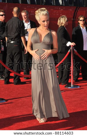 Kendra Wilkinson at the 2009 ESPY Awards at the Nokia L.A. Live Theatre, Los Angeles. July 15, 2009  Los Angeles, CA Picture: Paul Smith / Featureflash