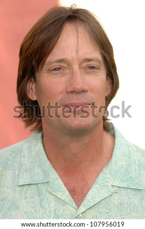 "Kevin Sorbo  at the World Premiere of ""The Incredible Hulk"". Gibson Amphitheatre, Universal Studios, Universal City, CA. 06-08-08"