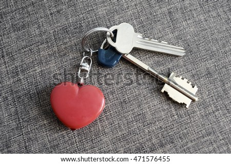 keys with heart pendant