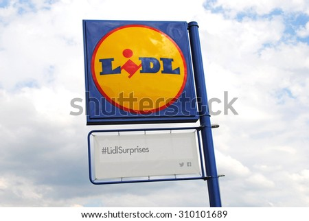 Kingswinford - West Midlands - UK - AUG 2nd 2015 : Lidl Sign on a new store. Lidl is a German global discount supermarket chain, that operates over 10,000 stores across Europe. - stock photo
