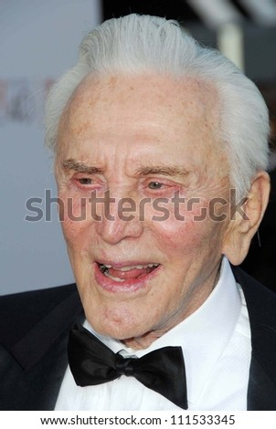 Kirk Douglas at the 35th Annual AFI Life Achievement Award celebration honoring Al Pacino. Kodak Theatre, Hollywood, CA. 06-07-07
