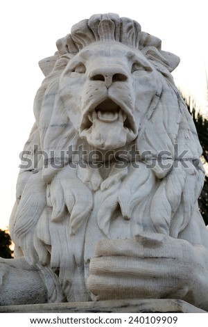 KOLKATA,INDIA - FEBRUARY 10: Antique Lion Statue at Victoria Memorial Gate, Kolkata, India, sculptured by Vincent Esch in Kolkata, West Bengal, India on February 10,2014.
