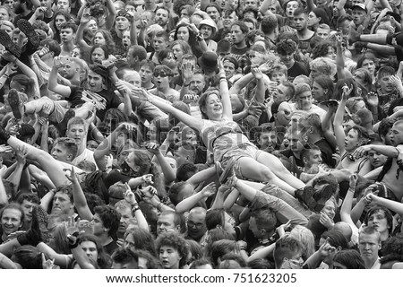the woodstock festival and the music of the 60s a peaceful rock revolution 1960s/1970s the 60's 60's counterculture 1960's events the 60's were a decade once again dominated by a war ( vietnam ) many peaceful demonstrations and protests (driven by students) were given voice against the war.